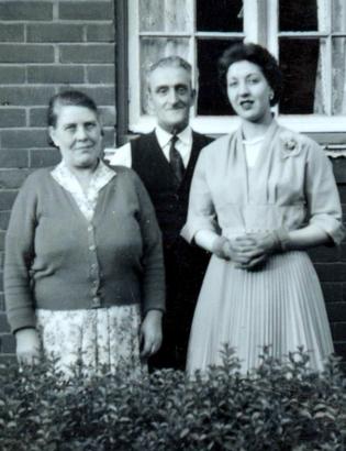 Ernest Dewey with wife Glenfinella, and daughter Doreen. Photo: Karen Hill