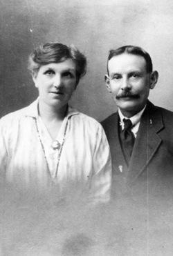 Agnes Hawkins with husband Joseph Arthur Moden