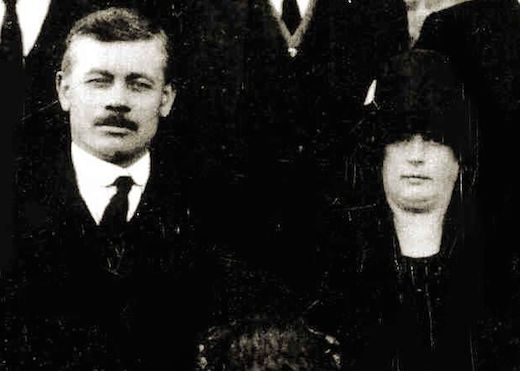 Henry Newman with his wife Sarah Jane (née Cree) at his mother's funeral, September 1925. Photo: Carol Trigg