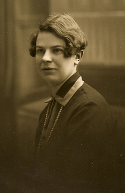 Jessie Yarrow circa 1915.