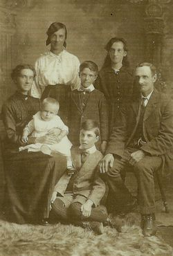 Walter James Martin with his family c.1917
