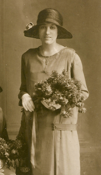 Grace Violet Moden as bridesmaid, November 1925. Photo: Andrew Martin.