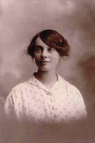 Maude Barber (née Yarrow), circa 1915. Photo: Andrew Martin