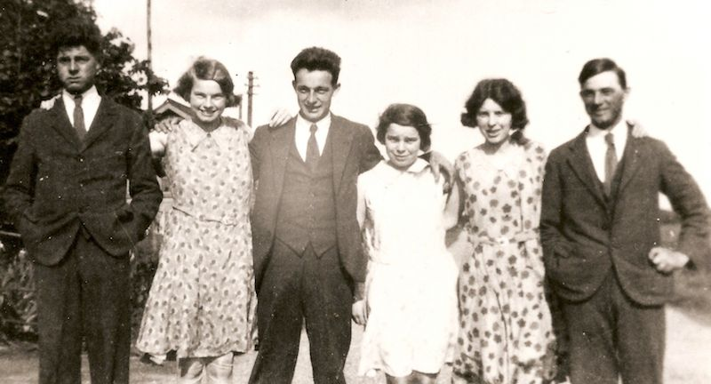 William, Catherine, Frank, Lois, Agnes and Albert Yarrow at Wilburton Station, Cambridgeshire.